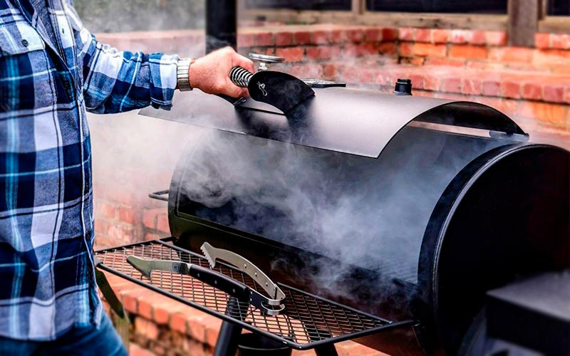Best Wood for Smoking Brisket – Buyer's Guide